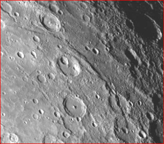 Kraterkette auf Merkur